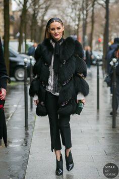 Olivia Palermo channels Blair Waldorf in Giambattista Valli coat and Jimmy Choo Mazzy Ankle Boots London Fashion Weeks, Paris Fashion, Estilo Olivia Palermo, Olivia Palermo Style, Street Style 2017, Street Chic, Ootd, Daily Fashion, Style Fashion