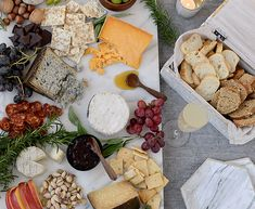 HOW TO: COMPOSE THE LOVELIEST CHEESE BOARD