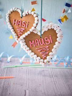 Festtagsherzen aus Honigkuchen