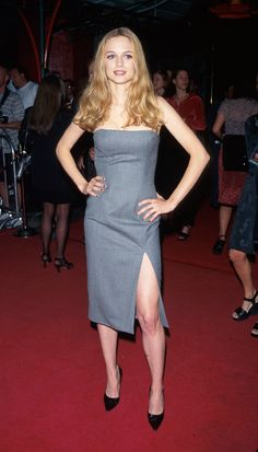 50 Shades of Grey (dresses) Heather Graham in a grey dress