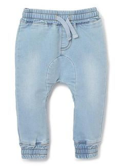 Cotton/Elastane French Terry pants with all over denim like wash. Features elasticated hem and waist band with tacked functional draw cord.