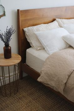 A combination of natural and striped in neutrals can be anything but boring. Styling by A combination of natural and striped in neutrals can be anything but boring. Styling by Home Bedroom, Bedroom Decor, Calm Bedroom, Earthy Bedroom, Bedroom Signs, Decorating Bedrooms, Decor Room, Master Bedrooms, Bedroom Apartment