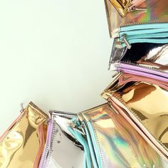 Finally here our new dreamy make up bags!! Available at our website  www.toystyle.co // Finalmente están disponibles nuestras lindas cosmetiqueras!! Encuentra la tuya en el LINK en bio #toystyle #makeupbags #metalics #holographic #silver #gold #beauty