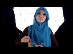 Video Cara Memakai Jilbab Elzatta  Untuk langkah pertama dalam cara memakai jilbab segi empat, persiapkan terlebih dahulu bahan-bahan yang a...