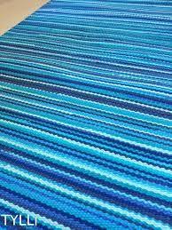 Kuvahaun tulos haulle turkoosi räsymatto Recycled Fabric, Woven Rug, Beach Mat, Outdoor Blanket, Weaving, Carpet, Rugs, Crochet, Decoration