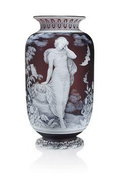 Sandblasted Glass, Decorated Jars, Antique Glass, Graphic Design Inspiration, Vintage Antiques, Glass Art, Art Pieces, Pottery, Sculpture