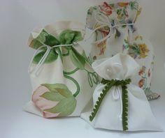 *Zwei Fliegen mit einer Klappe!*    In diesen Säckchen kannst du deine Geschenke hübsch verpacken und gleichzeitig umweltbewußt handeln.