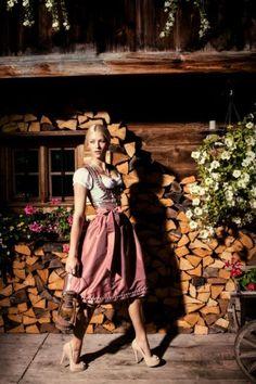 1000 images about dirndl on pinterest dirndl dress oktoberfest and lederhosen. Black Bedroom Furniture Sets. Home Design Ideas
