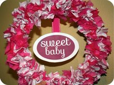How to make a baby shower wreath - including a FREE printable sign!