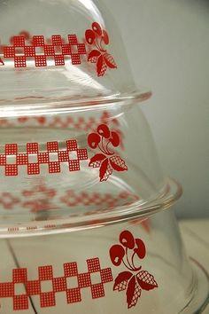 Pyrex cherry bowls