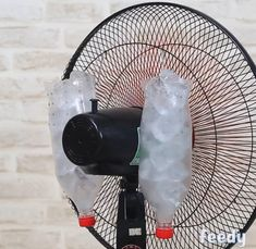 Learn how to make a homemade air-conditioner Homemade Air Conditioner, Project 4, Green Life, Hacks Diy, My Room, Tricks, Diy Home Decor, Diy And Crafts, Life Hacks