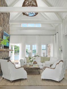 77 Chic Beach House Interior Design Ideas And Decorations – Beach House Decor Coastal Living Rooms, Coastal Homes, Home Living Room, Living Spaces, Cottage Living, Kitchen Living, White Living Rooms, White Family Rooms, Cottage House