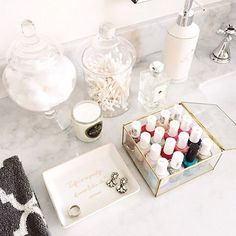 Upon each year's beginning, we always hope our new selves will find a way to get more organized—especially when it comes to our beauty stash. To inspire a