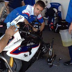 #tbt Marco Melandri's team prepping his Speedcell powered S1000RR!  #bmw #s1000rr #hp4 #superbike #poweredbyspeedcell #webuildraceshit #speedcell
