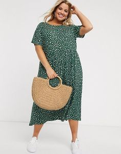 Buy Wednesday's Girl Curve midi dress in smudge spot print at ASOS. With free delivery and return options (Ts&Cs apply), online shopping has never been so easy. Get the latest trends with ASOS now. Plus Zise, Mode Plus, Plus Size Maxi Dresses, Plus Size Outfits, Plus Size Brands, Moda Plus Size, Plus Size Casual, Dress With Sneakers, Smock Dress