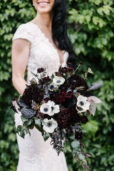15 Fall Wedding Bouquet Ideas and with what flowers they .- 15 Fall Wedding Bouquet Ideas and with what flowers they are made - Dahlia Wedding Bouquets, Dahlia Bouquet, Fall Bouquets, Fall Wedding Flowers, Floral Wedding, Fall Flowers, Halloween Wedding Flowers, Bridal Bouquets, Flower Bouquets