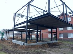 staalbouw Steel Frame House, Steel House, Steel Building Homes, Building A House, Cades, Building Foundation, Steel Structure Buildings, Pole Barn House Plans, House On Stilts