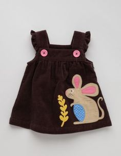 New Baby Mini Boden Girls Brown Corduroy Applique Mouse Pinafore Dress y Baby Boden, Mini Boden, Baby Girl Romper, Baby Dress, Little Girl Outfits, Kids Outfits, Toddler Fashion, Kids Fashion, Floral Applique Dress