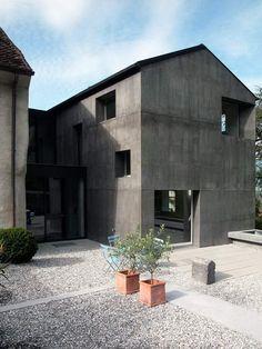 Atelier-F Architekten - Casacura workshop and house, Fläsch 2007. Photos © Jürg Zimmermann, Ralf Feiner.