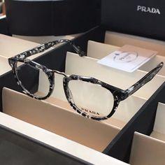 PRADA Fashion_4