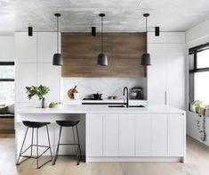 A modern kitchen with a timeless palette Kitchen Interior Design Kitchen modern palette Timeless Timber Kitchen, Farmhouse Style Kitchen, Modern Farmhouse Kitchens, Home Decor Kitchen, New Kitchen, Cool Kitchens, Kitchen Ideas, Awesome Kitchen, Kitchen Inspiration