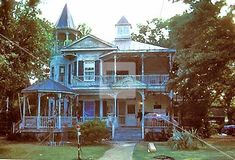 "Southport, NC - Victorian house from "" Crimes of the Heart "" movie ."