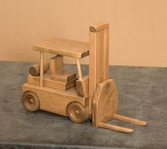 """FORK LIFT MADEIRA DO BRINQUEDO TRUCK Amish Handmade brinquedos de madeira para Play & Vídeo - Economia de pastor medidas 9 1/2 """"de altura x 12"""" de comprimento x 4 1/2 """"Wide $69.98"""