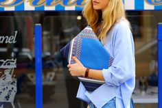 STRUCTURED SHIRT-BAGGY TROUSERS WITH EMBROIDERY AT THE SIDES  PRINTED CLUTCH BAG