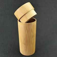 Resultado de imagem para artesanato de bambu Bamboo Crafts, Wood Crafts, Diy And Crafts, Bamboo Architecture, Architecture Details, Straw Crafts, Bamboo Design, Bamboo Furniture, Coconuts