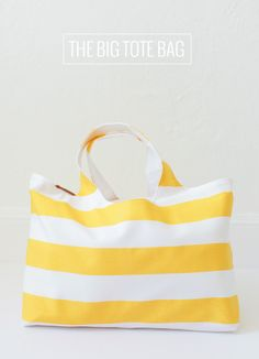 This awesome tote bag pattern is part of the Sew Fab bundle ! It's called The Big Tote Bag and it's by Autumn Street Patterns . This tot. Big Tote Bags, Purses And Bags, Bag Patterns To Sew, Sewing Patterns, Modern Sewing Projects, Diy Inspiration, Diy Purse, Pouch Bag, Pouches