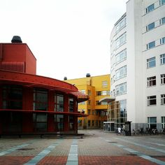 SWEDEN Jönköping #International Business #School is a young dynamic institution. JIBS first #students were enrolled in 1994 and in the last twenty years JIBS has grown to a comprehensive institution offering #Bachelor, #Master and #Doctoral #education. Since its inception, JIBS has become world-renowned in a number of #research areas related to its #educational #programmes. http://hj.se/jibs/en/