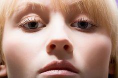 Collagene e l'elastina sono due proteine fondamentali nel nostro corpo. Si trovano nel corpo e nella pelle e sono la nostra arma nat