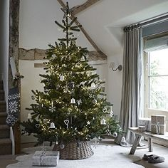 The Percet Country Christmas | The White Company