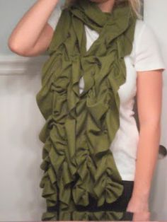 Ruffle Scarf Tutorial -- I have to make this!