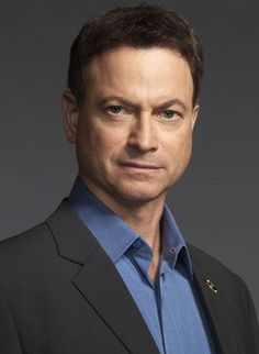 Actor/director/musician Gary Sinise turns 60 today - he was born 3-17 in 1955. Some of his credits include Forrest Gump, Apollo 13, Ransom, The Green Mile and the TV series CSI: New York.