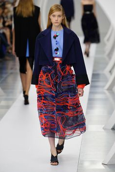 London FW S/S 2015 Roksanda. See all fashion show at: http://www.bookmoda.com/?p=31286 #spring #summer #ss #fashionweek #catwalk #fashionshow #womansfashion #woman #fashion #style #look #collection #london #roksanda