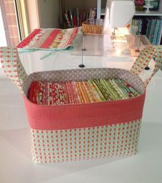 10 Brilliant Projects to Upcycle Leftover Fabric Scraps - Nedette Sewing Hacks, Sewing Tutorials, Sewing Crafts, Sewing Tips, Sewing Ideas, Fabric Boxes, Fabric Scraps, Fabric Storage Bins, Scrap Fabric Projects