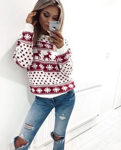 cute dear snowflake sweater +ripped jeans| cool Christmas outfits