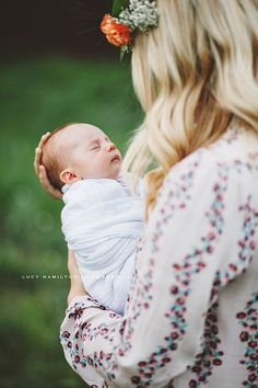 Outdoor Newborn Session — Portraits by Lucy