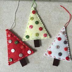 lot de 3,décoration à suspendre au sapin de noel fait main unique,décoration de noel ,sapin en feutrine et bouton