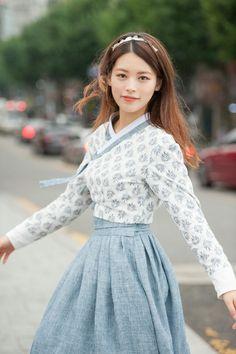 #생활한복 #한복 #hanbok #hanbokphoto #fashion #fashionista #daily #주문제작 #dailylook #데일리룩 #한복여행 #시옷프로젝트 #한복화보 #한복촬영 #촬영 #소녀 #모델 #여자모델 #동양모델 #사진