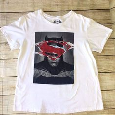 Batman v Superman Dawn Of Justice Men's XL T-Shirt White Cotton Extra Large  #DCComics #GraphicTee