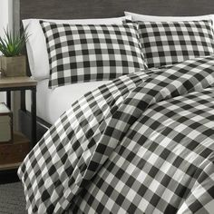 Shop for Eddie Bauer Mountain Plaid Black and Off-White Duvet Cover Set. Get free delivery On EVERYTHING* Overstock - Your Online Fashion Bedding Store! Get in rewards with Club O! King Duvet Set, Queen Duvet, Duvet Cover Sets, Comforter Sets, Black Duvet Cover, White Duvet Covers, Eddie Bauer, Plaid Comforter, Bed Springs