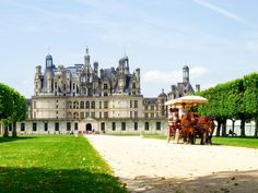 The castle of Chambord is the largest of the Loire castles. It was built between 1519 and 1547 near a bend in the river Cosson, a tributary river of Beuvron which then throws itself into the...
