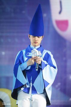 Wow it's the pope praise god Kyungsoo, Chanyeol, Lightstick Exo, Exo Chen, Exo Ot12, Kaisoo, Exo Lucky, Fandom Kpop, Exo Korean