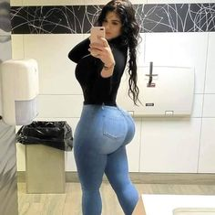 Is Super Fast Keto Boost Legit Or Scam? Thick Girl Fashion, Curvy Women Fashion, Vrod Harley, Corpo Sexy, Actrices Sexy, Curvy Girl Outfits, Sexy Jeans, Beautiful Black Women, Sexy Hot Girls