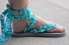 Upcycled Flip Flops {DIY Wednesday} | Inspired Life: Photos by Alaina - Making these this weekend to wear with a dress I got from Target on clearance. It's Art and Wine Walk weekend and I need cute but comfy shoes for it!