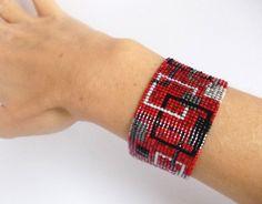 Abalorios pulsera brazalete de plata y blanco negro rojo
