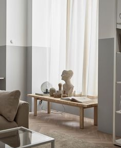 Some inspiration from Ikea Livet Hemma today, with two very different living room looks. The first is a soft minimalism style living room. Swedish Interiors, Interior, Ikea Living Room, Living Room Remodel, Home Decor, Beige Living Rooms, Room Remodeling, Room Decor, Interior Design