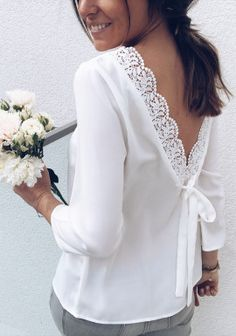 Blouse Joana blanc Style Couture, Couture Tops, Couture Fashion, Kurti Neck Designs, Blouse Designs, Zara Tops, African Fashion Dresses, Fashion Outfits, White Shirts Women